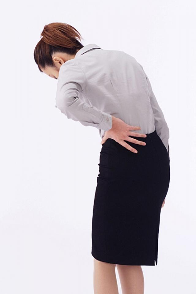 腰痛 ストレッチ、デスクワークでつらい悩みに
