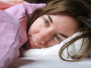 朝起きたときの!顔むくみ解消法