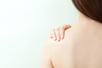 背中にきびの原因とは?治すために気をつけたいこと