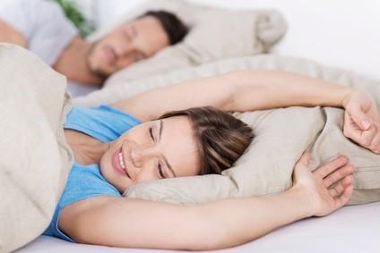 起きたら顔がパンパン!朝のむくみを解消する方法
