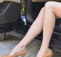 むくみを取り、すらりと美しい脚になる方法