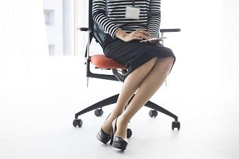きれいな脚を作る座り方のポイント