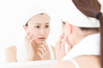 意外にできやすい あごにきびの原因と治し方