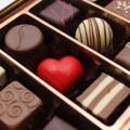 チョコレートはにきびの原因というのは迷信ですよ