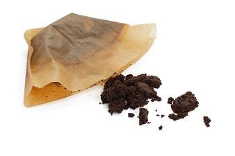 コーヒーの出し殻でセルライトを撃退する痩身マッサージ