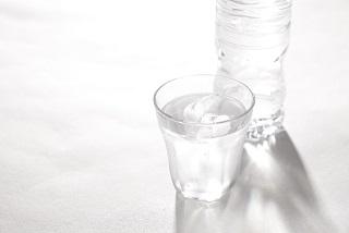 あなたの水分補給、大丈夫?美肌へ近づく水分補給の方法