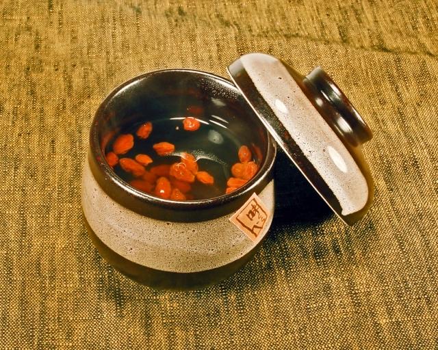 杏仁豆腐のお供 クコの実(ゴジベリー)の美容効果とは