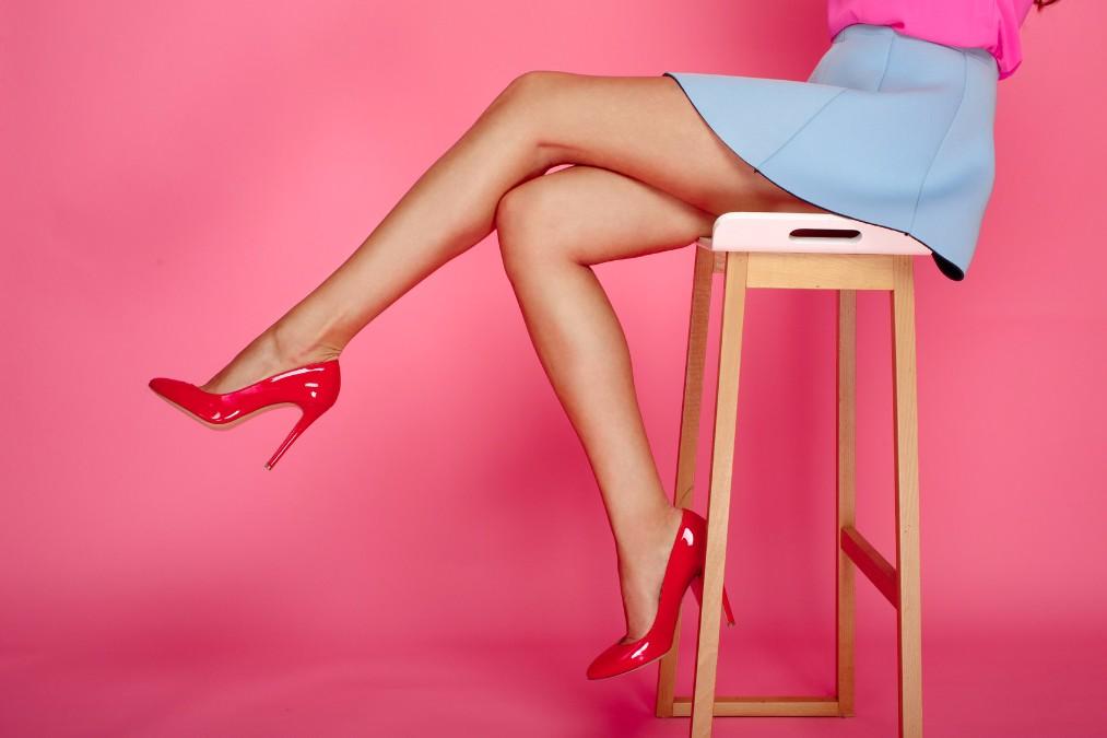 ヒールを履くことで生じる「足の疲れ」を防ぐ3つの方法とケア方法