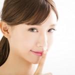 唇がカサカサと乾燥する本当の原因と正しいリップケア