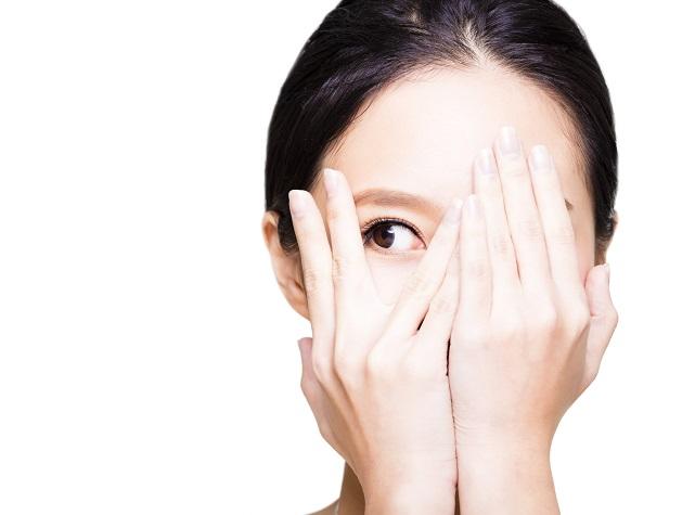 日常生活に影響を及ぼす白内障の原因や治療法