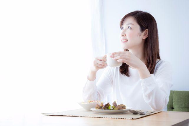 16時間絶食で体重を落とす「8時間ダイエット」の効果とやり方