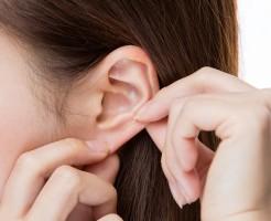 痛すぎる耳ニキビの意外な原因と早くてキレイな治し方