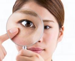 目が乾いてしまう辛いドライアイの症状と改善法をご紹介