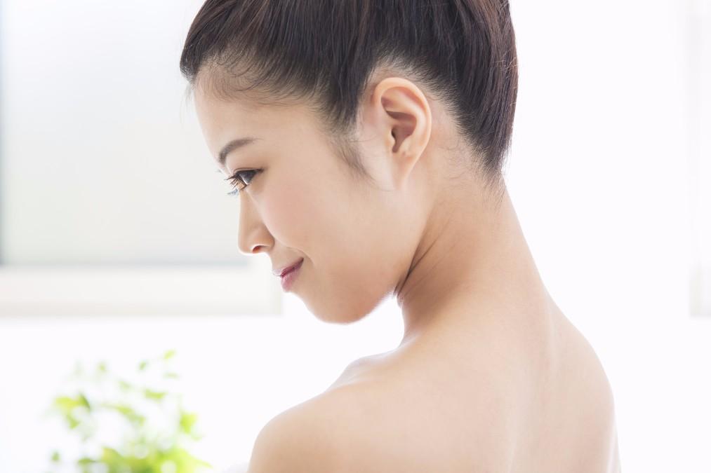 赤ら顔を引き起こす9の原因と自宅でできるケアのやり方