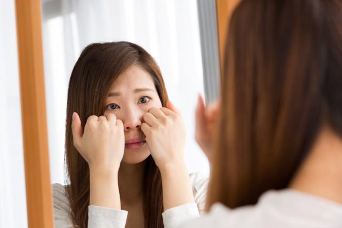 眉間のシワを解消できるマッサージ