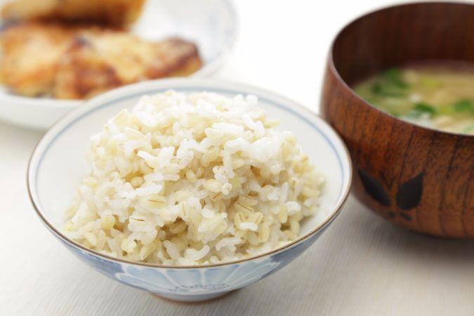 食物繊維たっぷりの「もち麦」は、ダイエットに最適ですよ!