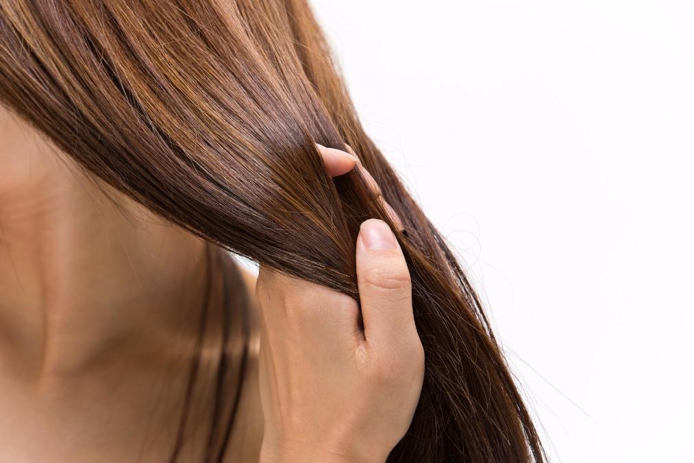 内側からのケアも重要!煩わしい髪のうねりの原因と6つの対策