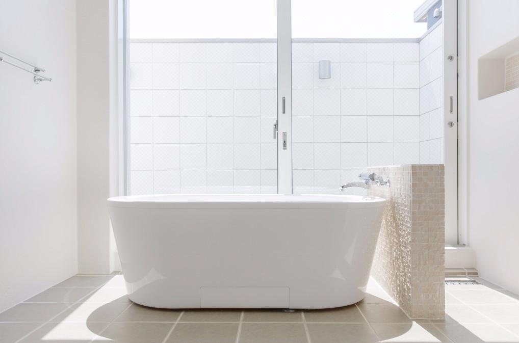 お風呂場の汚い汚れとサヨナラする、ぬめり取りのコツ