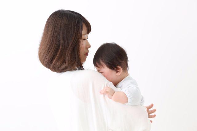 赤ちゃんの寝ぐずりする2つの原因、対処と対策について