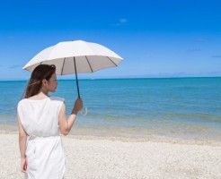 日焼け対策してる?紫外線が髪や頭皮に与える悪影響と対策4つ