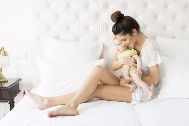 赤ちゃんのストロー練習はいつから?スタート時期と練習方法について