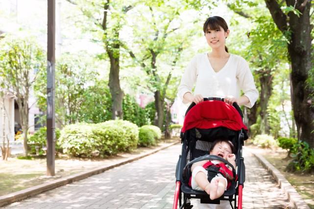 ベビーカー事故を防止して、子供の命を守るために注意すること