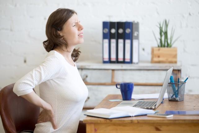 「椎間板ヘルニア」の4つの原因!おすすめセルフケアのやり方とは