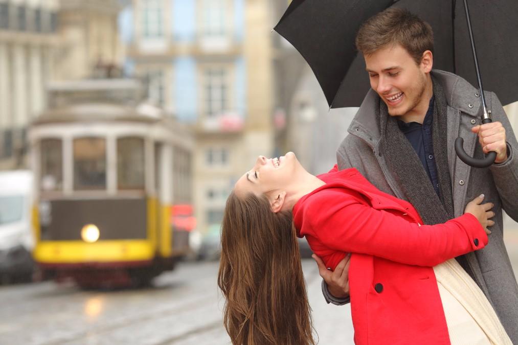 梅雨の時期だからこそ彼氏を誘って行きたいデートスポット10選