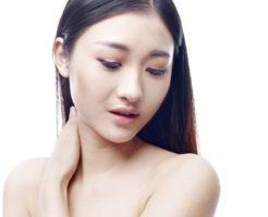 顔にくすみができる原因と改善する方法