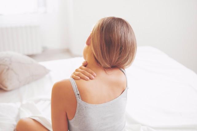 いたた、首が回らない!首の寝違えの本当の原因と治し方