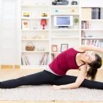 寝転がったままで楽チン。腰痛改善に効果的なストレッチ6選
