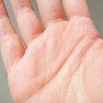 おばちゃんみたいな「手のシワ」の改善・予防に効果的な7つのこと