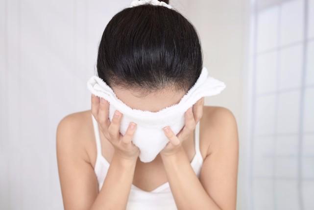 コスパも良いのに万能過ぎる「蒸しタオル美容法」の9つの効果