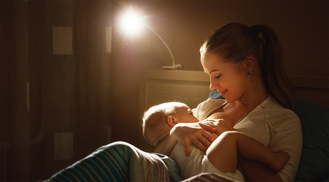 原因不明のことも!赤ちゃんが寝ぐずりする原因と予防法