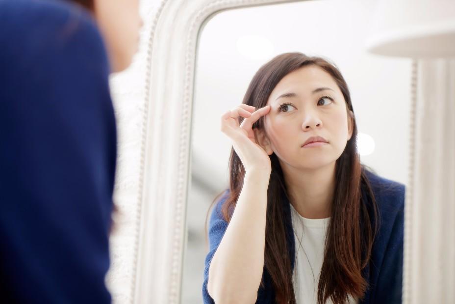 目の下の「ピクピク」ってどうして?痙攣の原因と予防する方法8つ