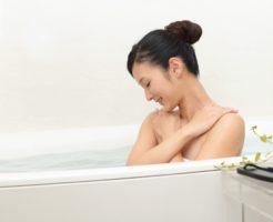 皮膚も守れて手間もかからない「タモリ式入浴法」のススメ