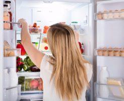 冷蔵庫を開けた瞬間に鼻を突く「不快臭」を取る5つのアイテム