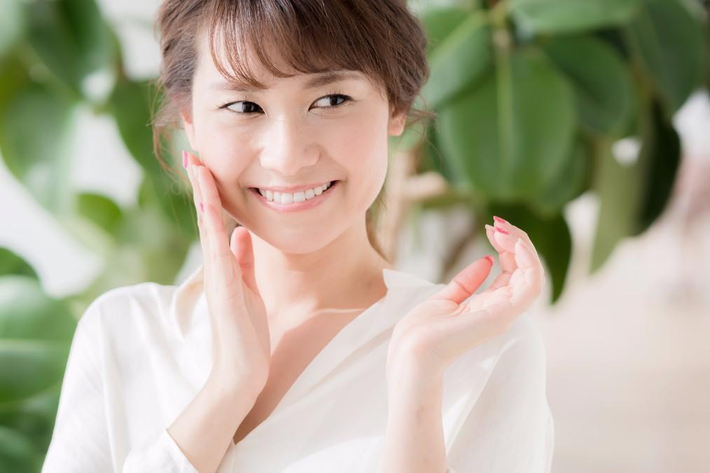 乾燥しがちなお肌に潤いを届ける「コットンパック」のやり方