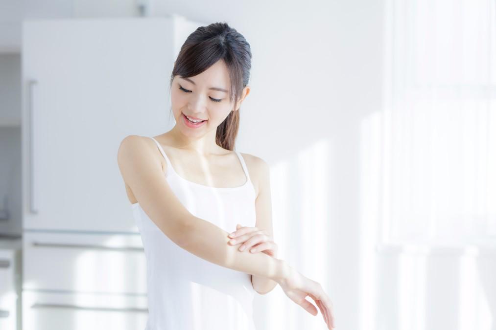 腕のシミが増えた方必見!増えてしまう原因と自宅でのケアのコツ