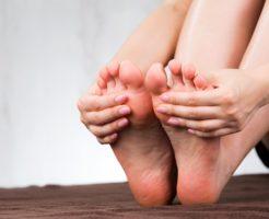 足が冷える10の原因と、冷たいと感じた時に即できる対処法