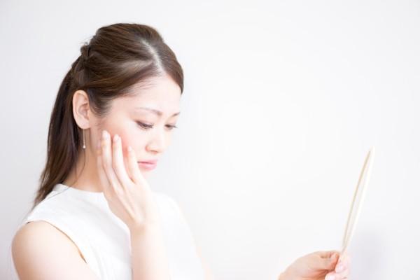 透明感のある肌へ!顔のくすみを取る洗顔の手順