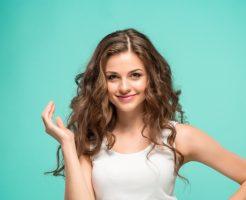 カラーリングしている方の通過点、髪の毛の「プリン」の直し方