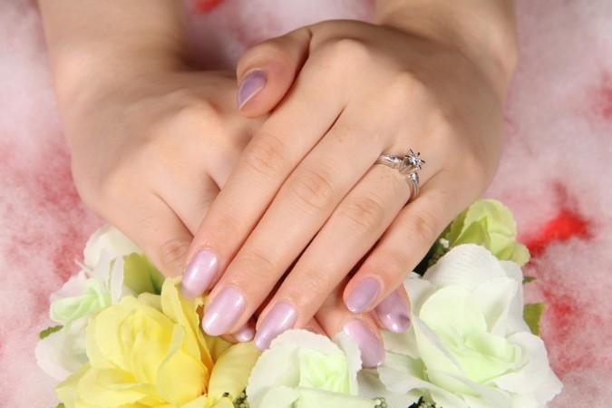 爪が乾燥した時に現れる変化と保湿する方法