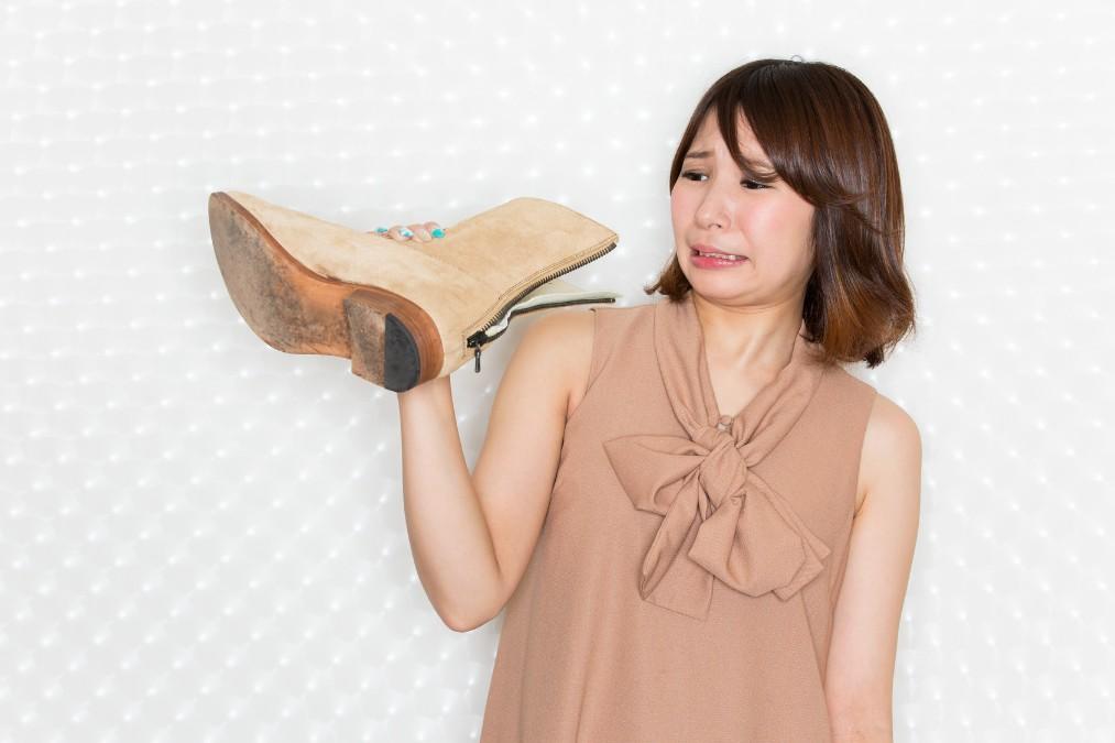 足が不快な臭いを放つ4つの理由と予防するためのケア方法