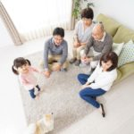 家庭で犬を飼うことによる、子供への5つの効果と注意点