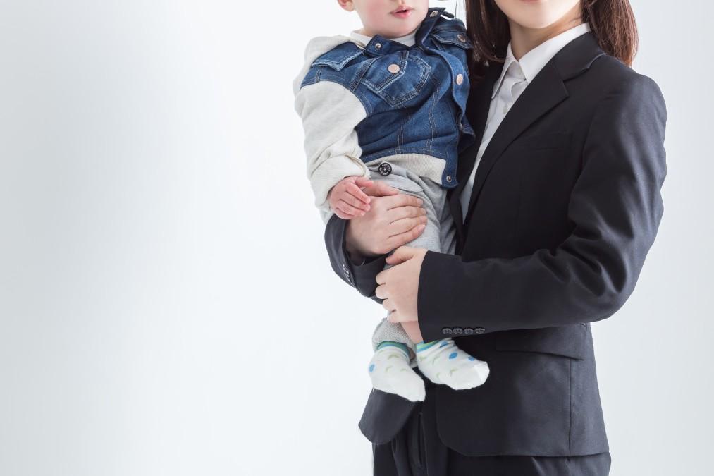 【ママ必見】卒園式に着ていくスーツの選び方