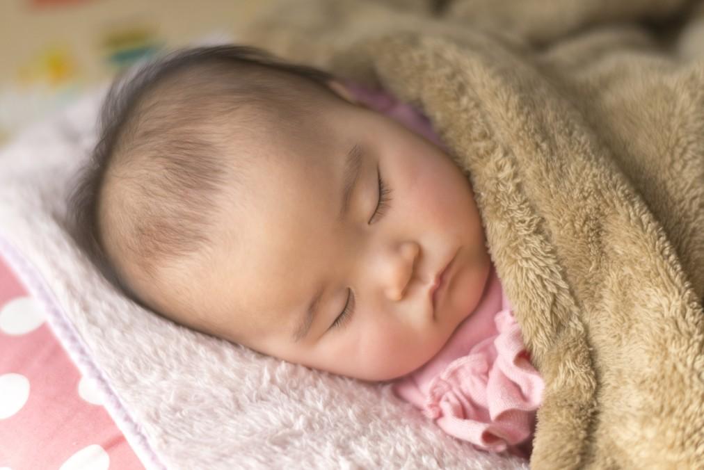なかなか寝ない赤ちゃんを寝かしつける7つのテク
