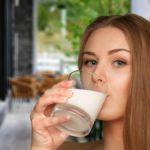 巷で話題の「大人の粉ミルク」?乳幼児用のものとの違いとは