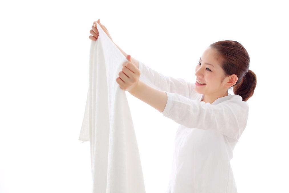 【自宅でOK】ファンデーションの汚れが服についた時の落とし方