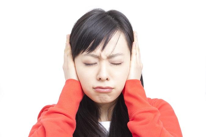 耳が「キーン」とするのは病気のサインかも?耳鳴りの原因とは